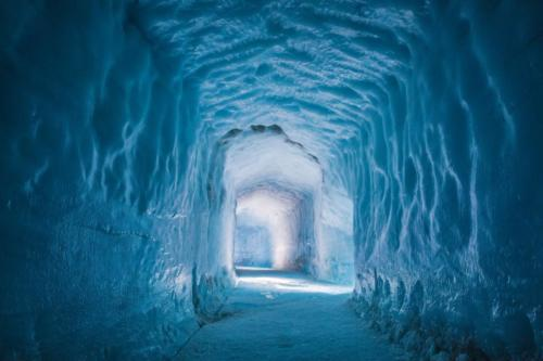Into the glacier Tour